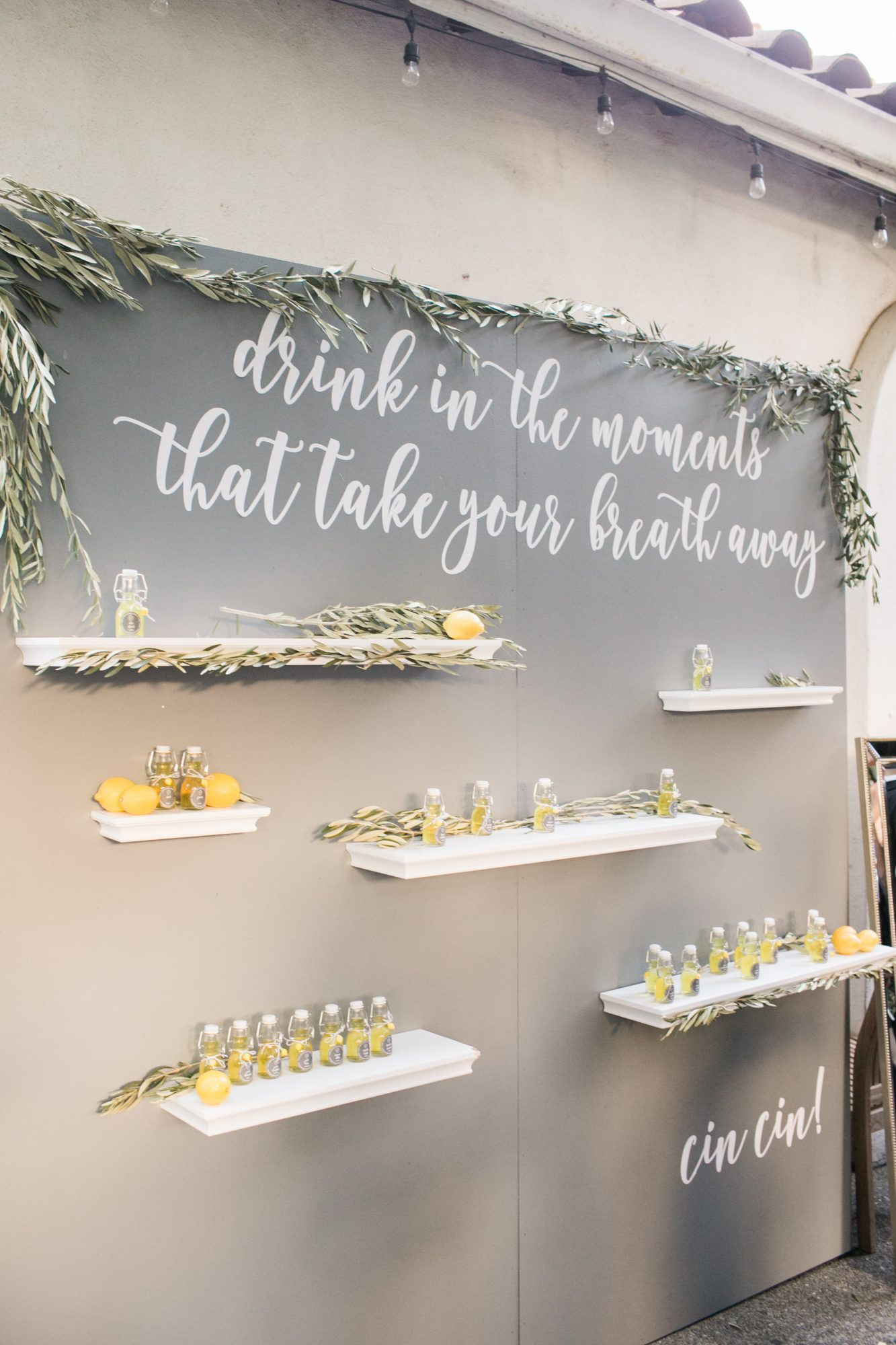favor display with quote