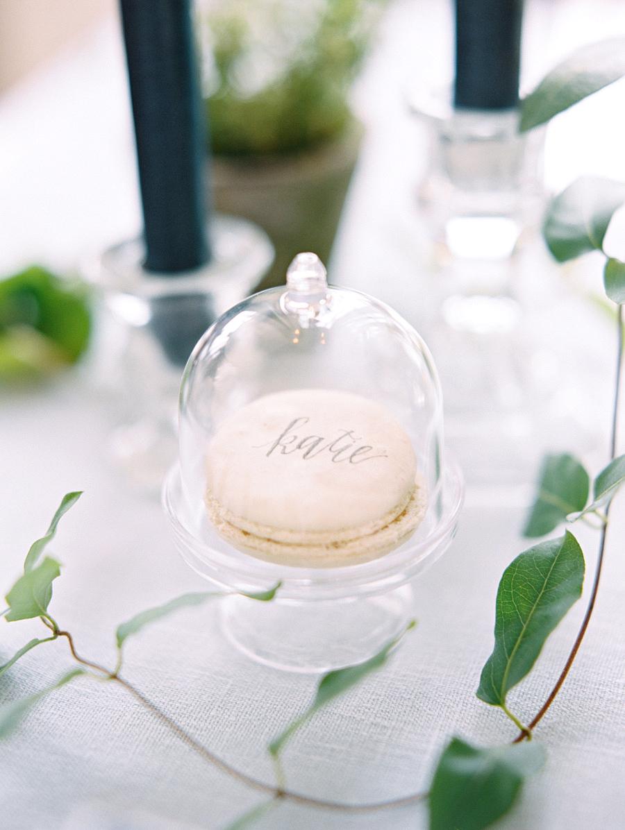 macaroon cloche place card