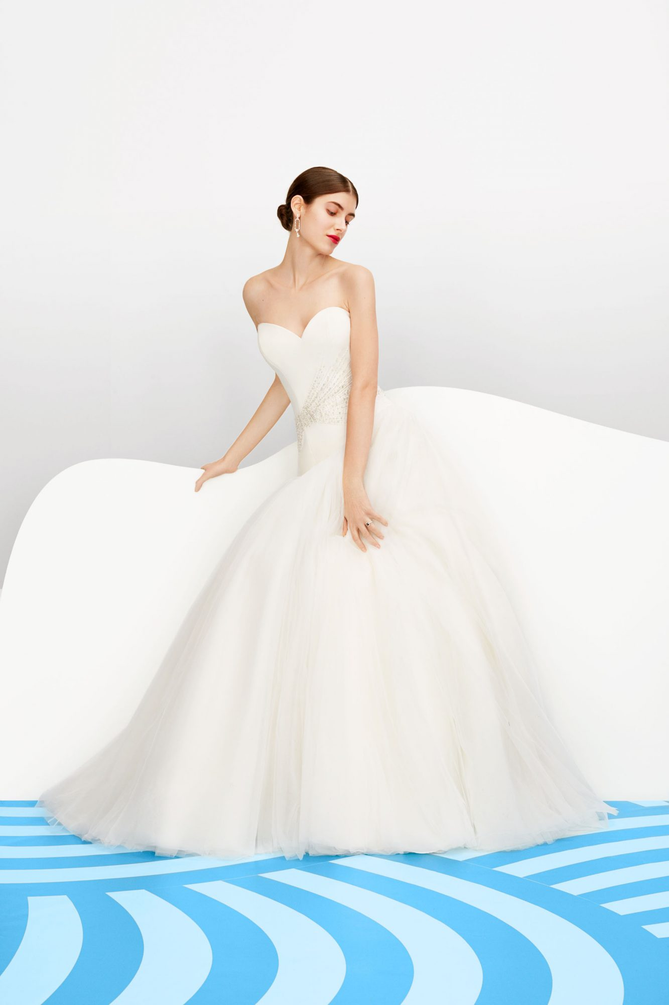 justin alexander signature sweetheart gown
