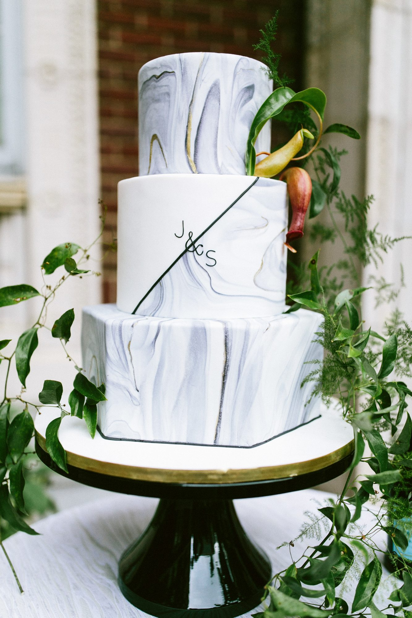 monogram wedding cake jett walker cakerie