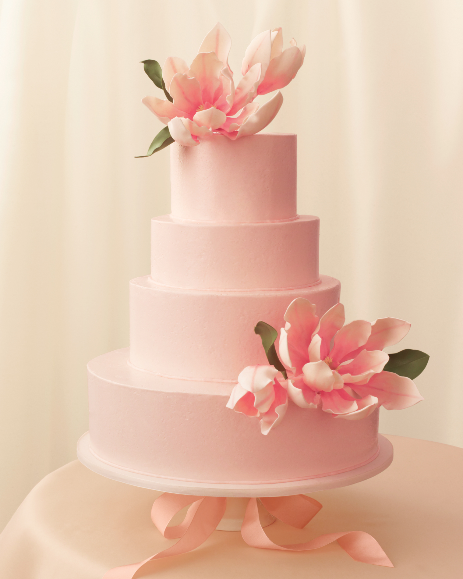 romantic-wedding-cake-mwd108277.jpg
