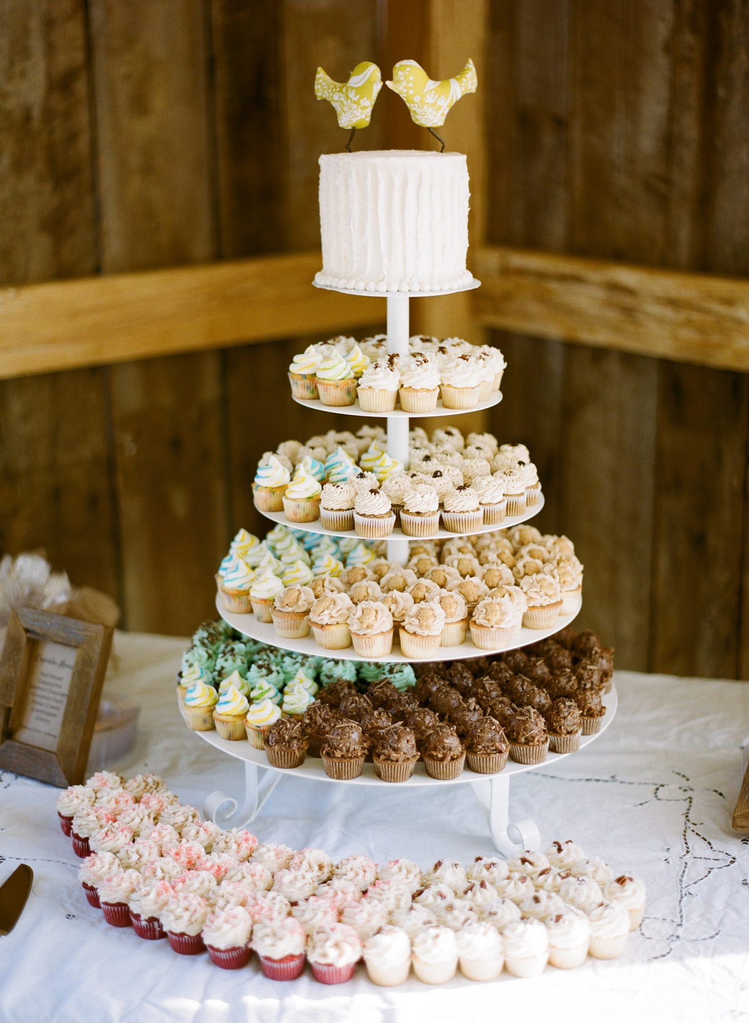 25 Of The Most Adorable Wedding Cupcakes Martha Stewart