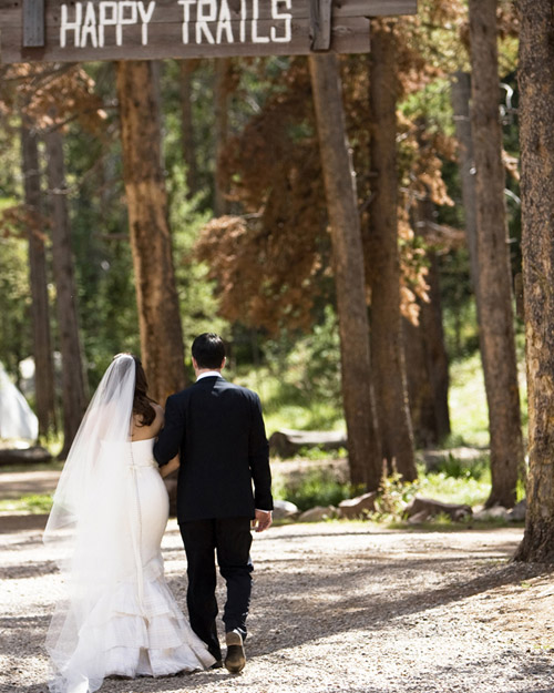 msw_travel09_vail_bride_and_groom.jpg
