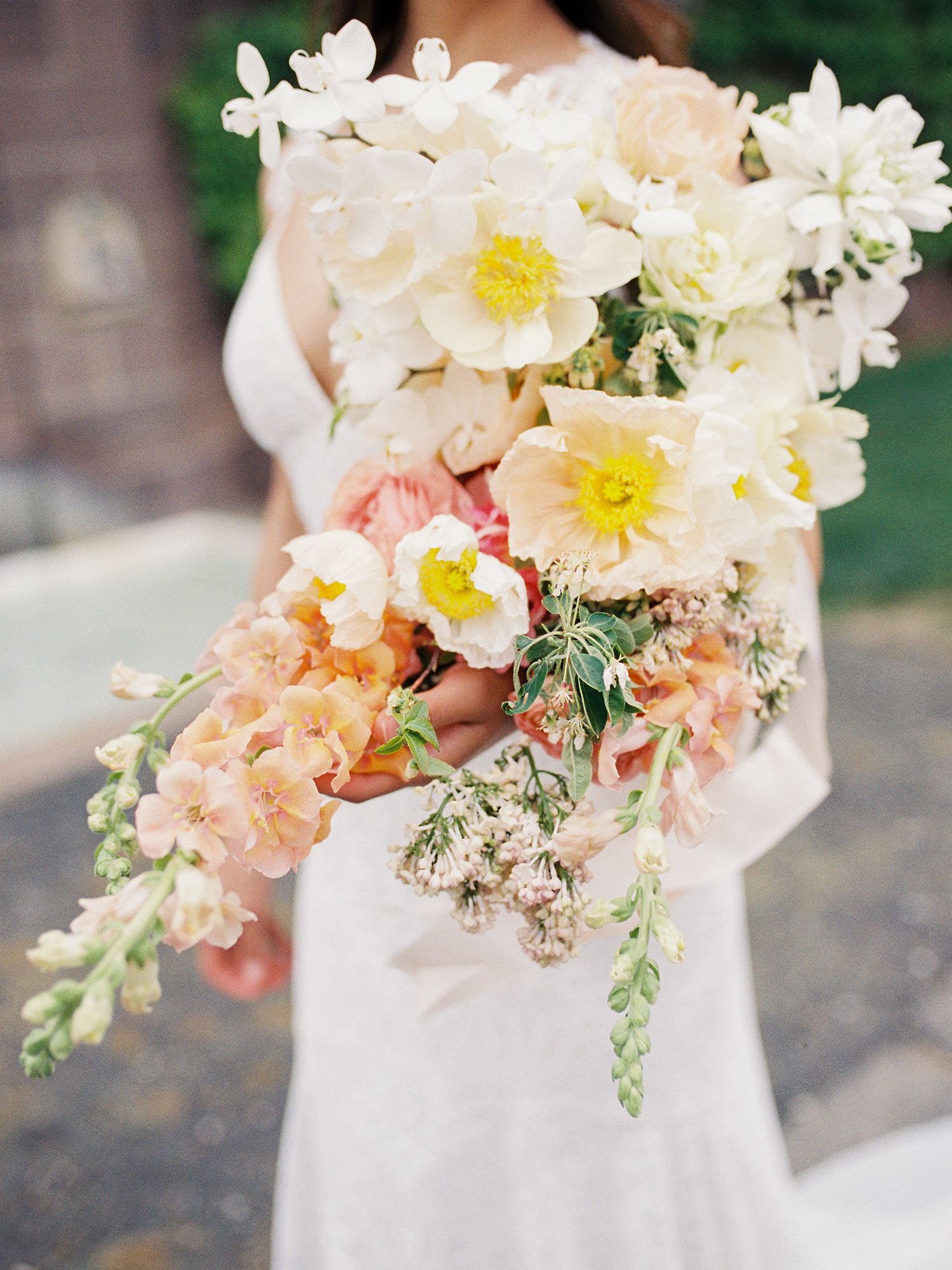 Modern Wedding Bouquets For The Nontraditional Bride Martha Stewart