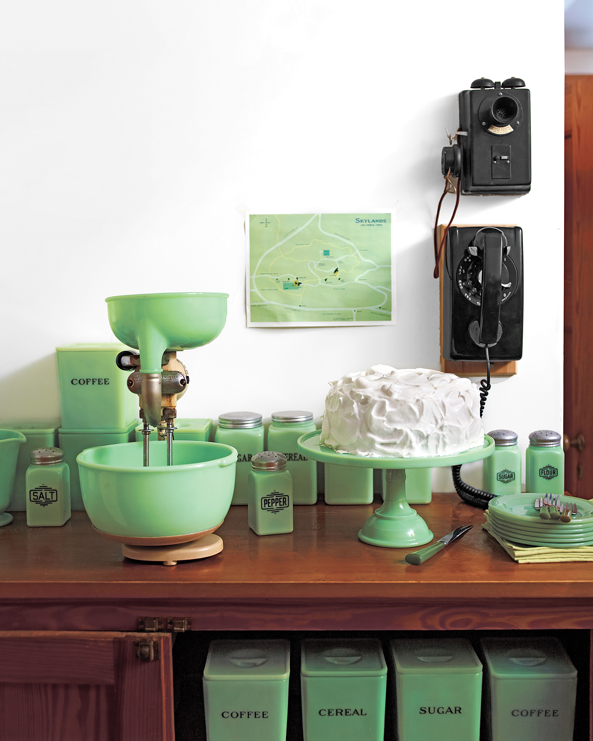 Jadeite Pieces with Lids