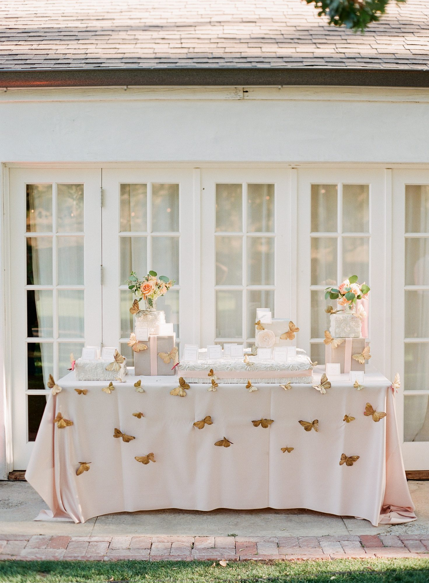 butterfly gift table