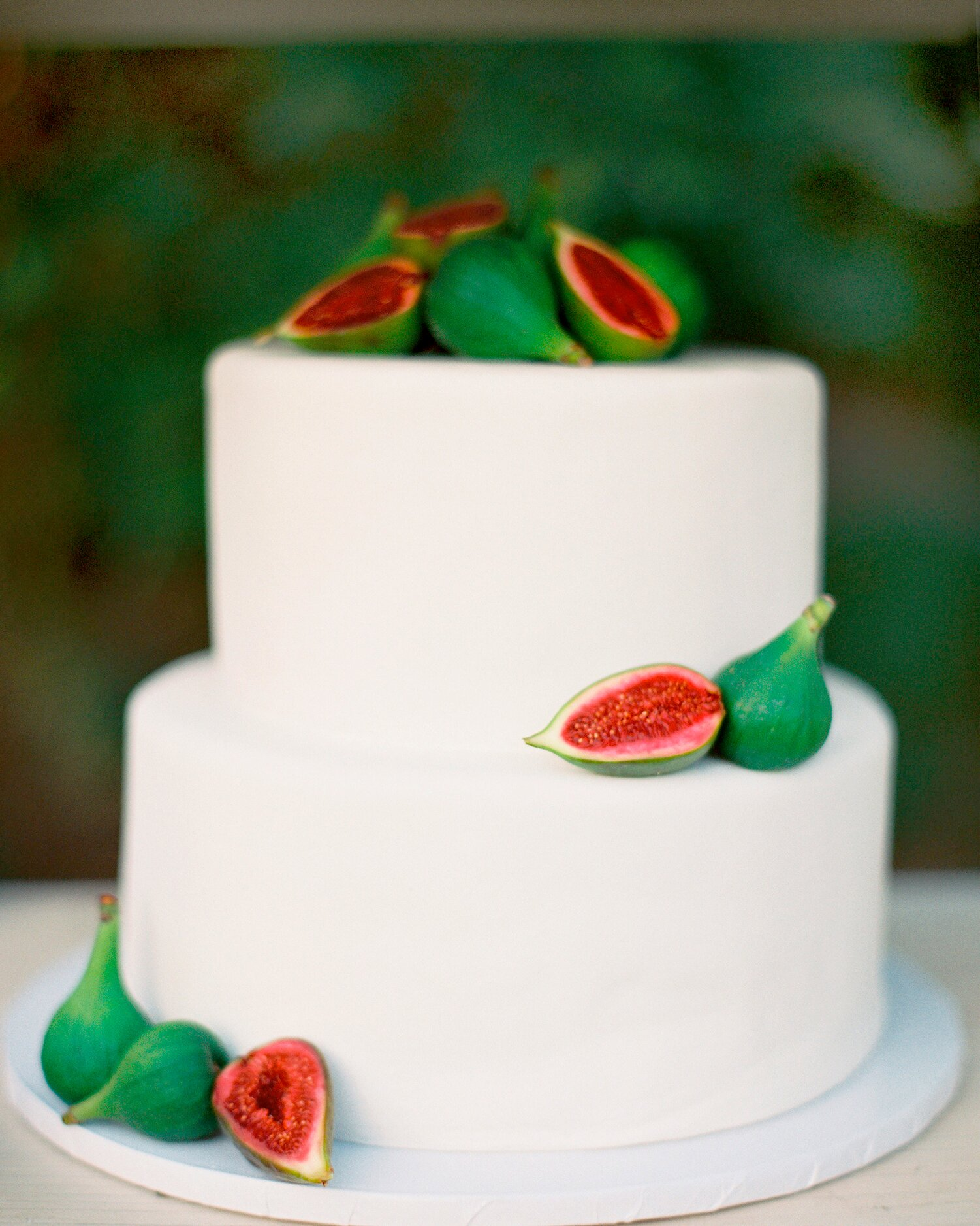 40 Simple Wedding Cakes That Are Gorgeously Understated Martha Stewart