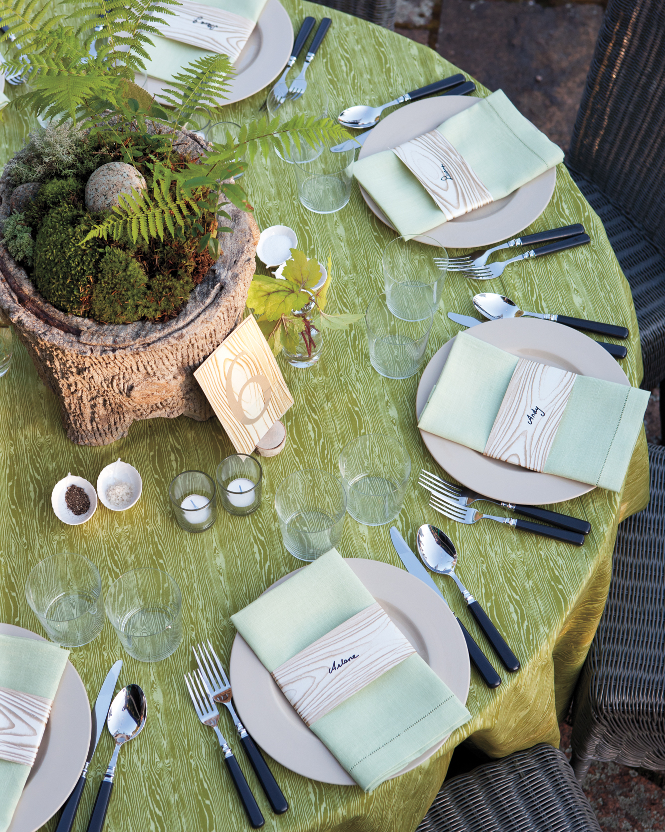 maine-event-table-setting-mld107757.jpg