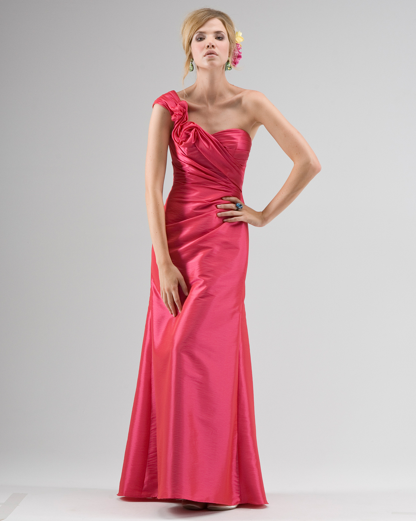 One-Shoulder Red Bridesmaid Dress