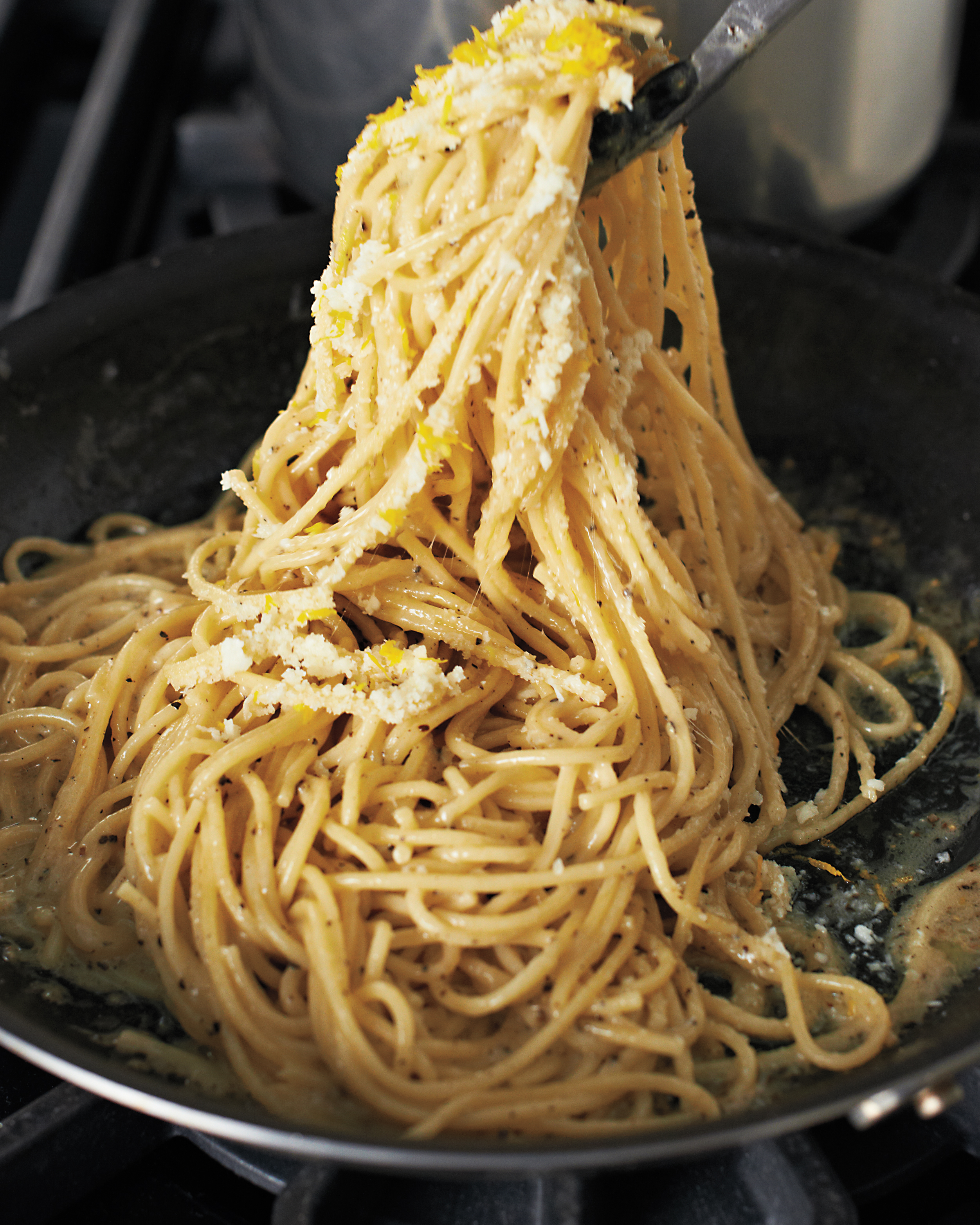 cacio-e-pepe-step-6-md109548.jpg