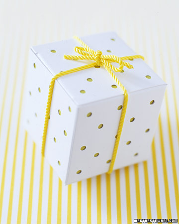 Dotted Favor Box