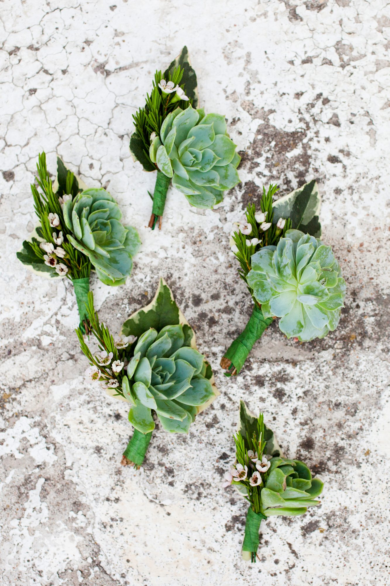 green wedding ideas emily scannell boutonnieres
