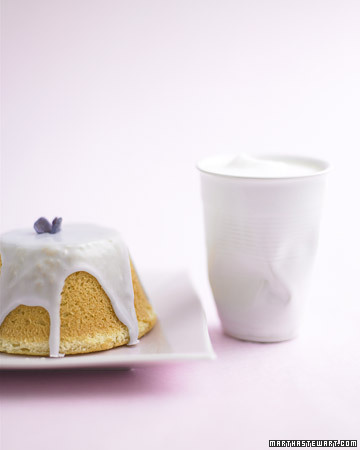 Chiffon Cakes with Violet Dipping Icing