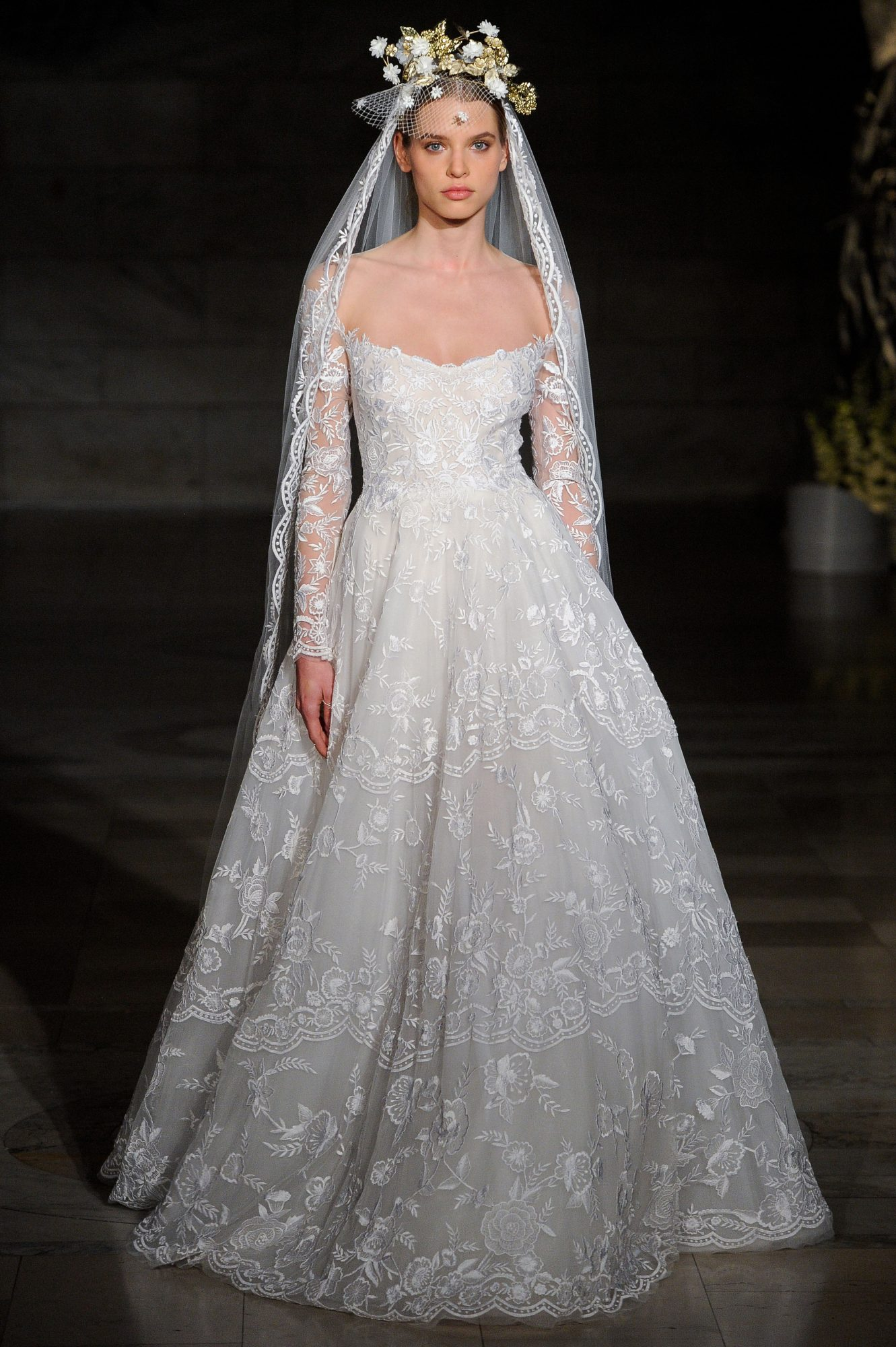 reem acra fall 2019 sheath flutter sleeves wedding dress