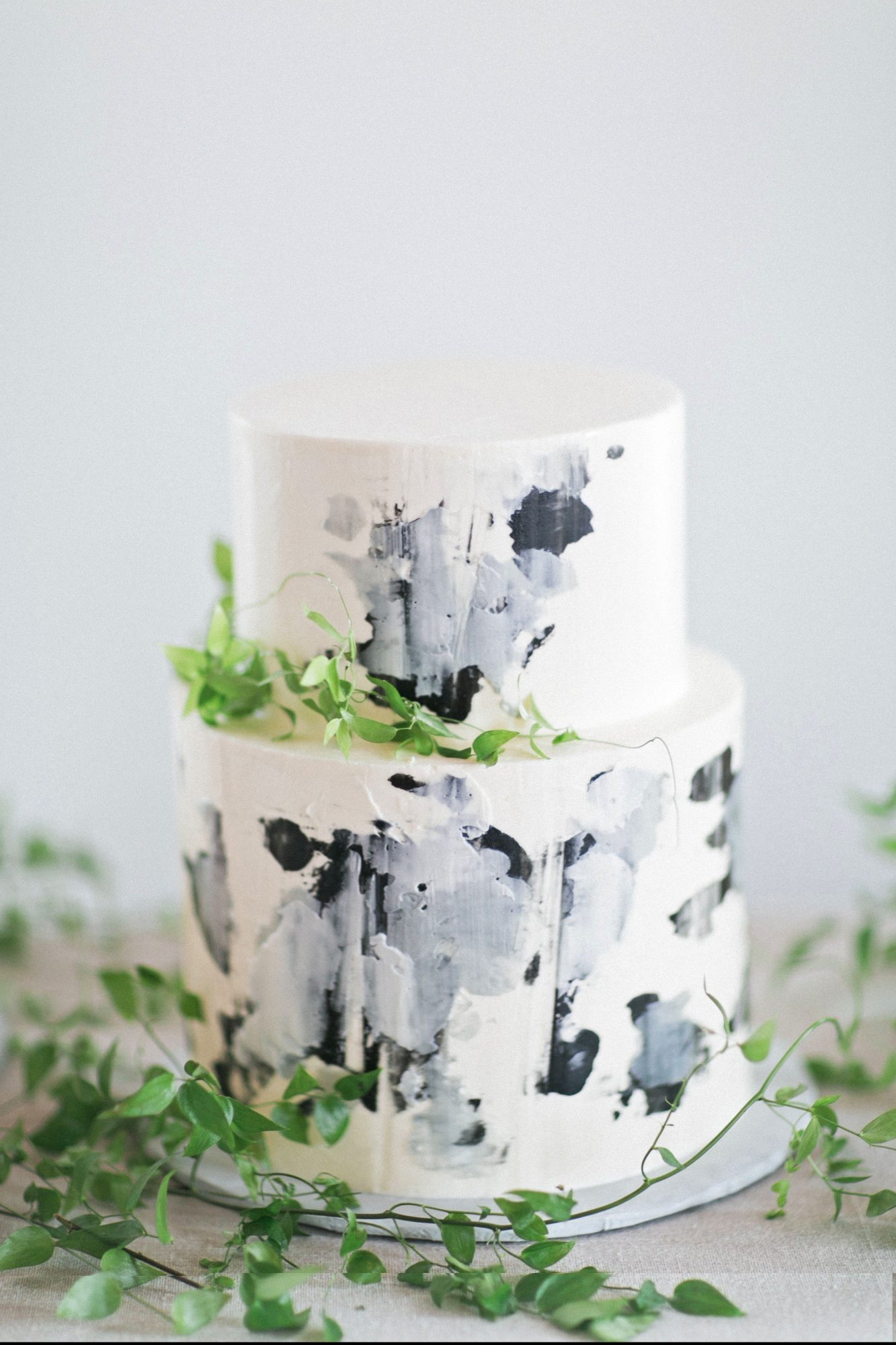 marbled bridal-shower-cake