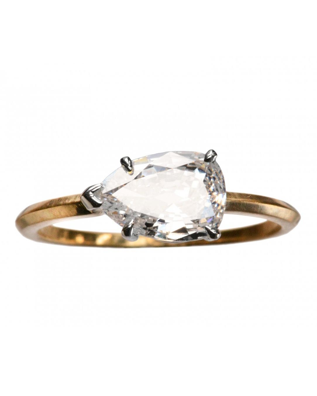 east-west-engagement-ring-erie-basin-0116.jpg