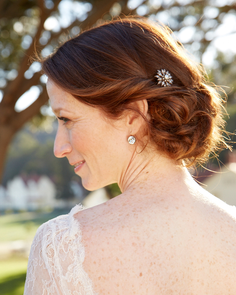 16 Gorgeous Medium Length Wedding Hairstyles Martha Stewart
