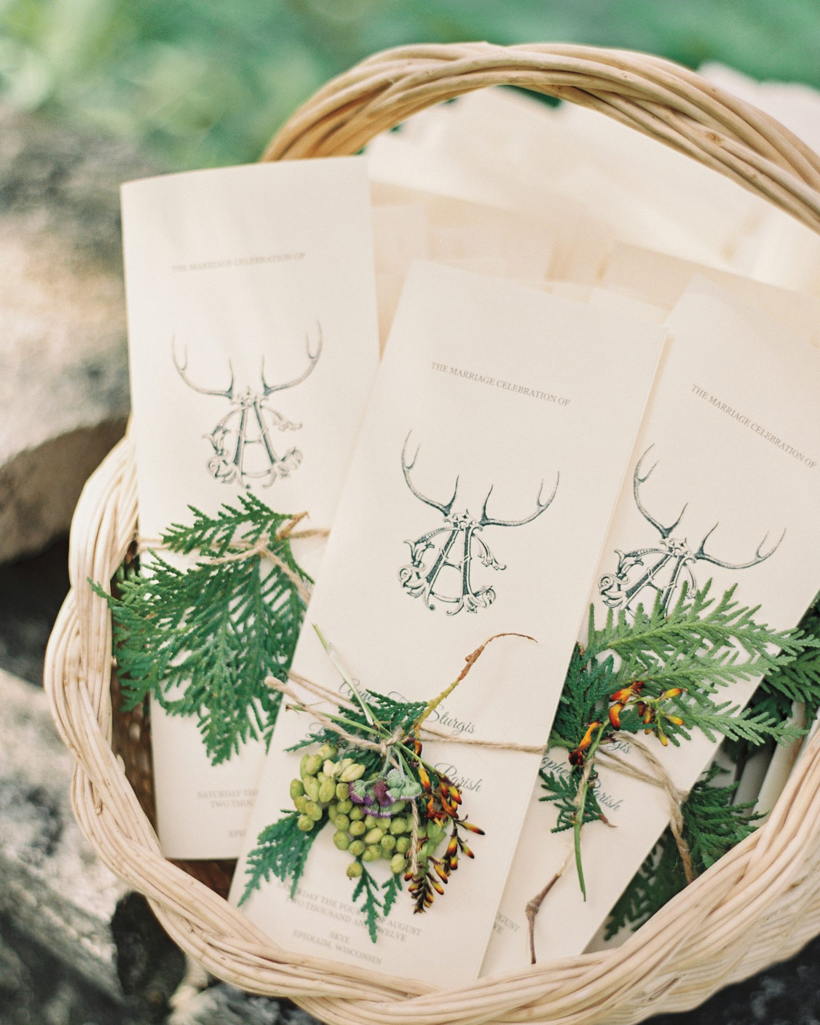 basket-invitations-evergreen-door-county-wi-041-mwds110744.jpg