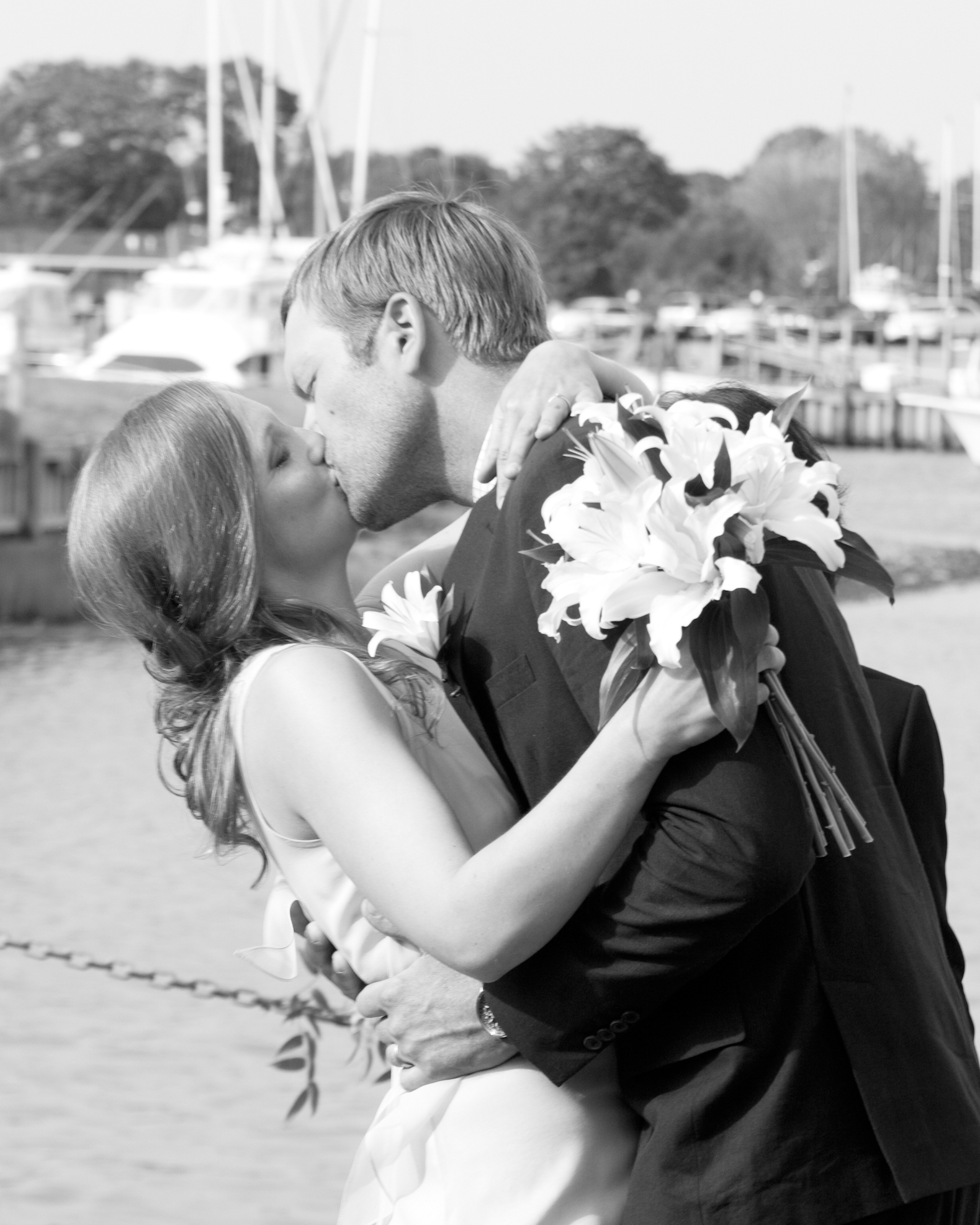 erin-mike-wedding-kiss1-0414.jpg