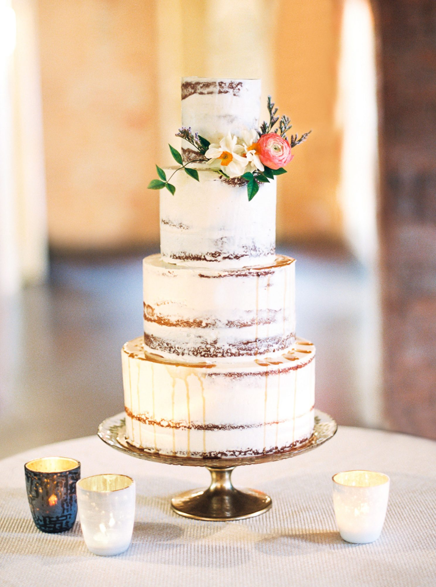 The groom admitted that he thought about this semi-naked Layered banana cake (complete with chocolate-ganache filling) long after his wedding day.