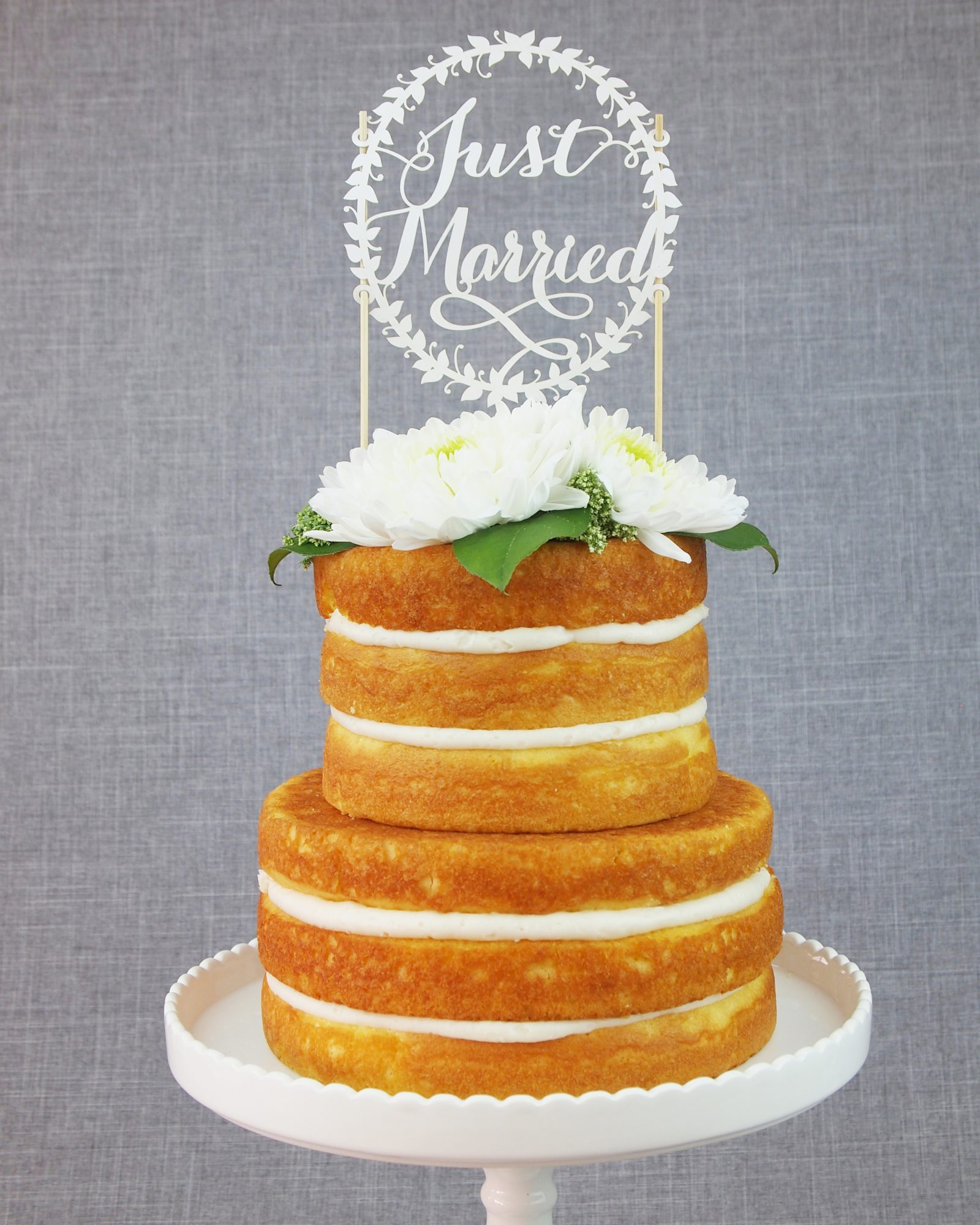 cake-toppers-alexis-mattox-just-married-paper-0814.jpg