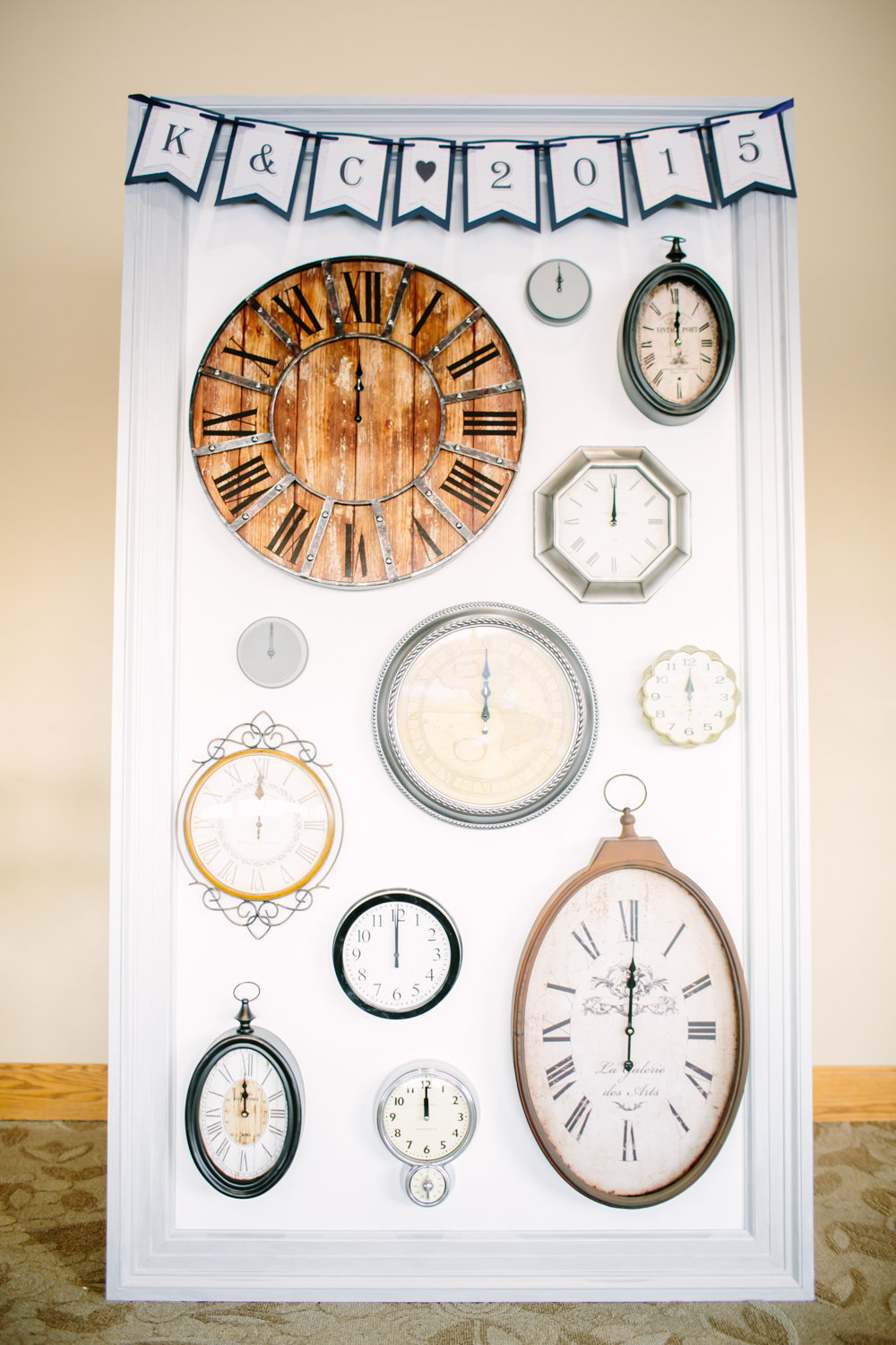 For a quirky take on the classic New Year's Eve countdown, decorate your reception venue withmismatched clocks.