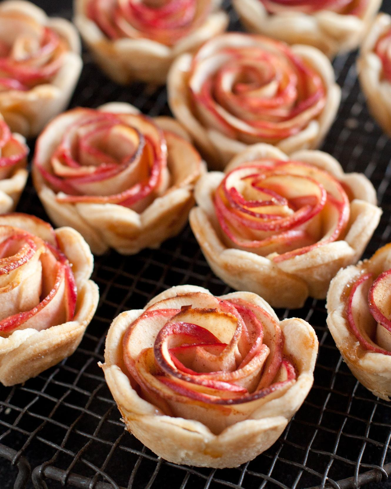 Transfer mini pies to a cooling rack