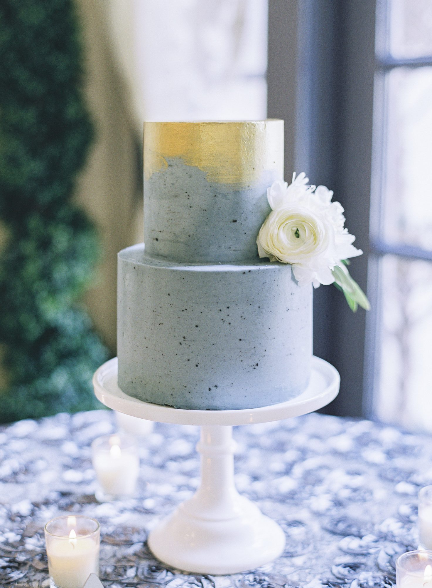 A speckled design is surprising but still spring-appropriate. The colors on this cake resembled staples of the season: sunshine mixed with rain.
