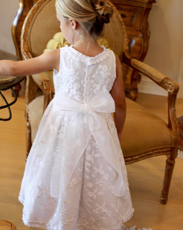 summer flower girl outfit back of white dress with bow