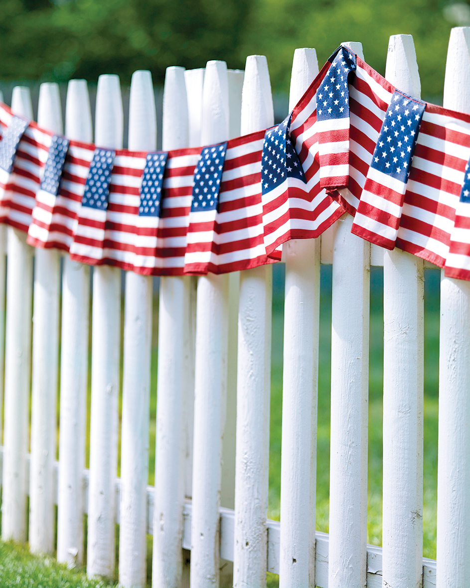 Flag-Patterned Fence Swag
