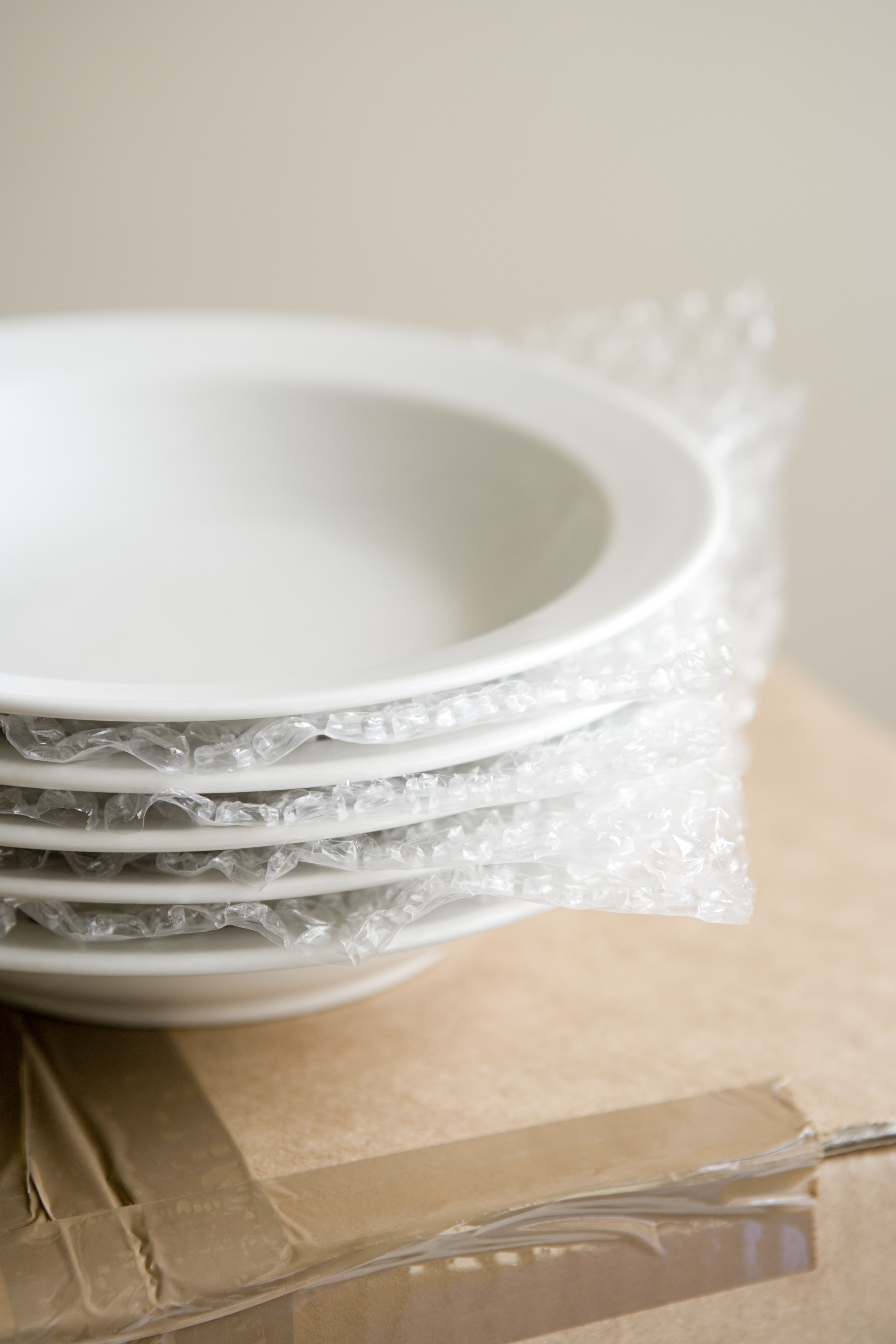 bubble wrapping dishes