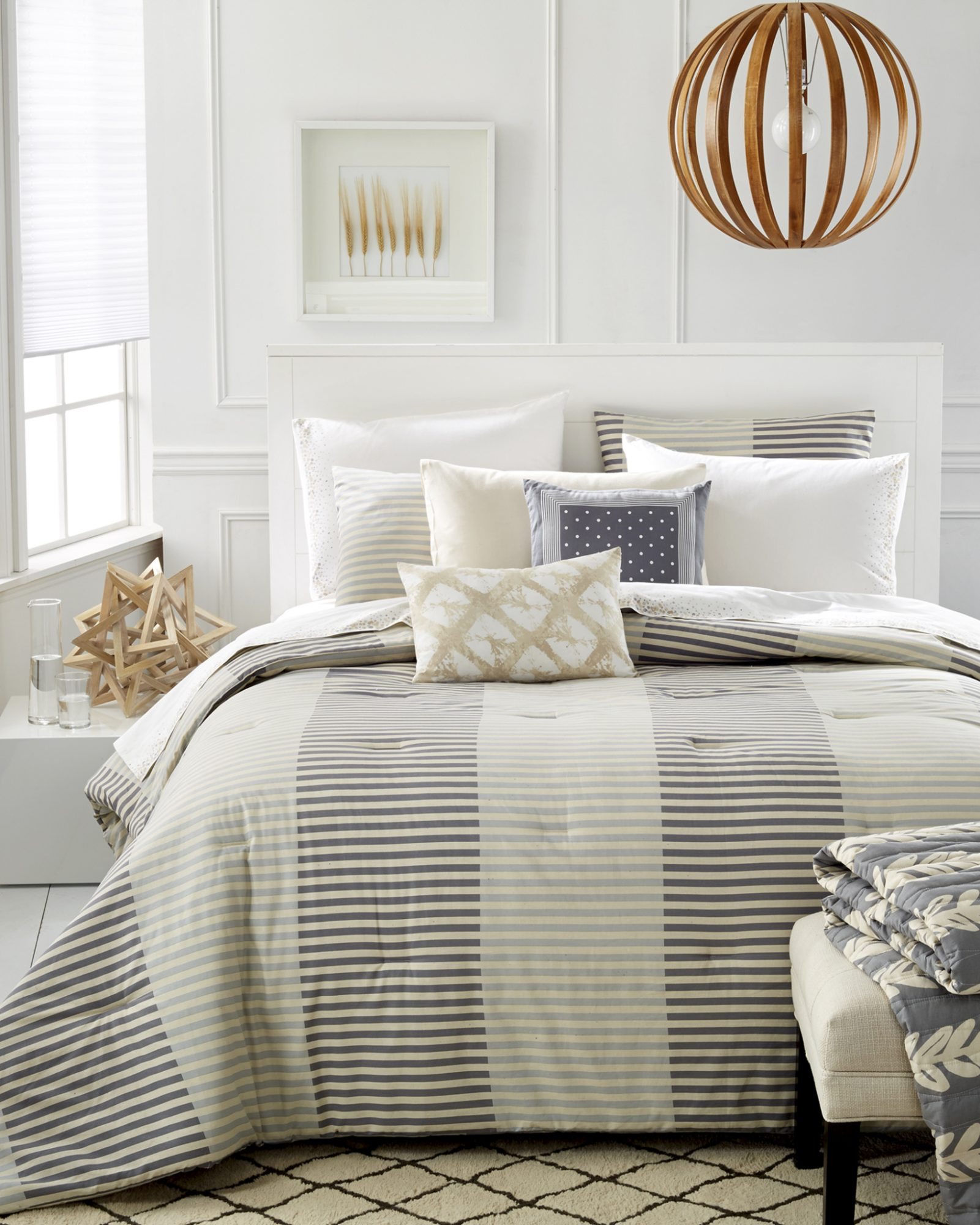 Striped Banddding & accent pieces