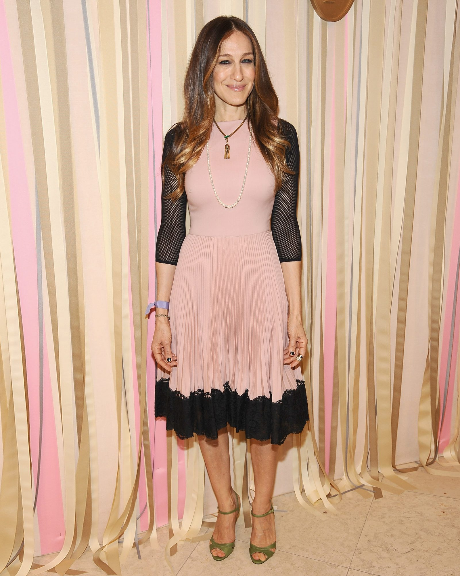 sjp-shoe-roundup-pop-up-show-opening-0515.jpg