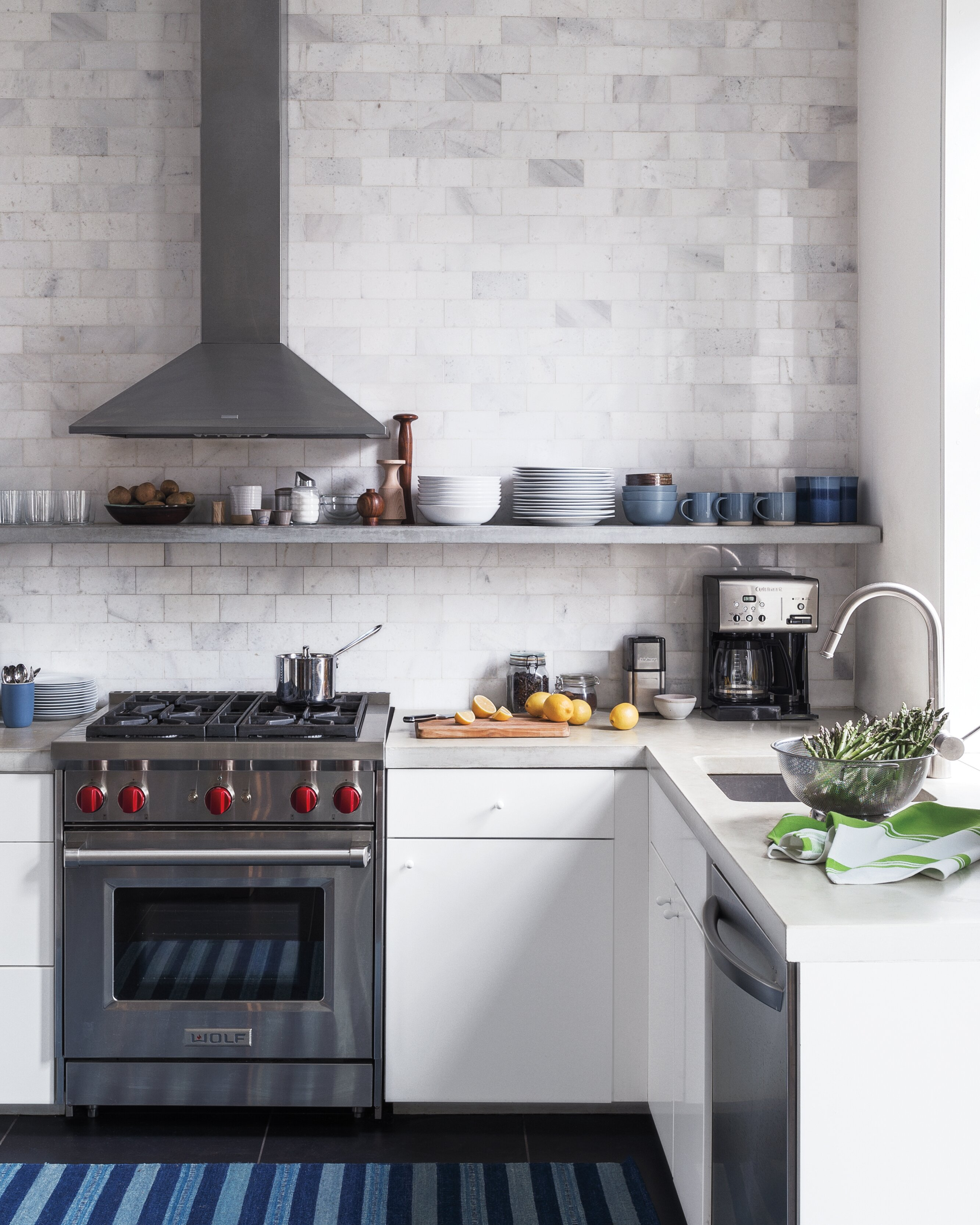 How to Pick the Best Kitchen Countertop Material for Your ...
