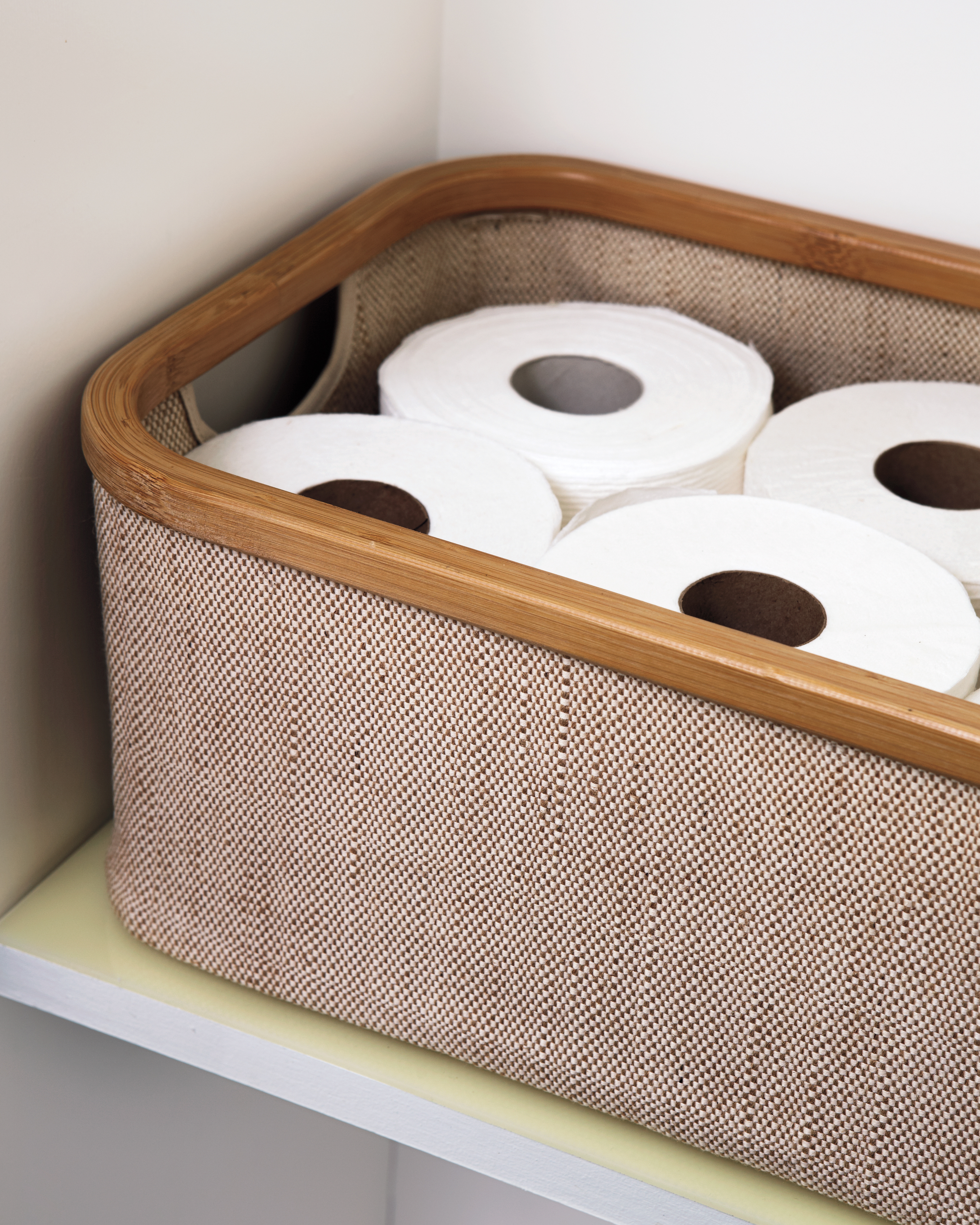 bathroom-storage-toilet-paper-6121-d111382.jpg