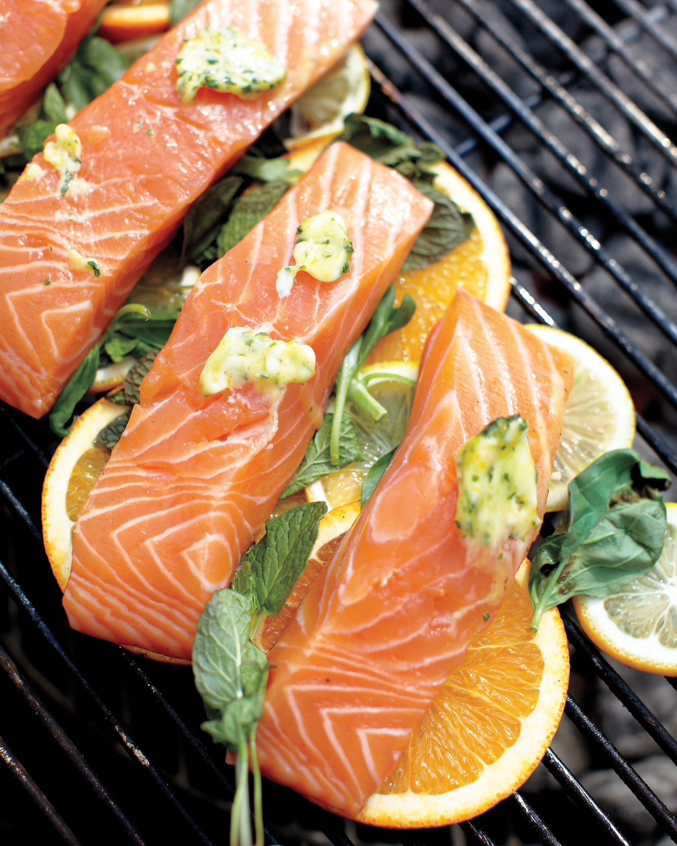 Grill Fish Over Citrus Slices