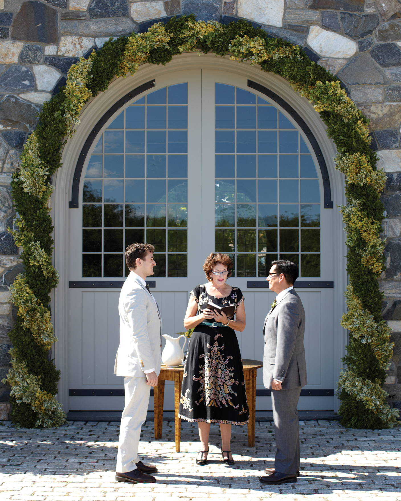 These grooms held their celebrationon Martha Stewart's property (she's the aunt of one of them).