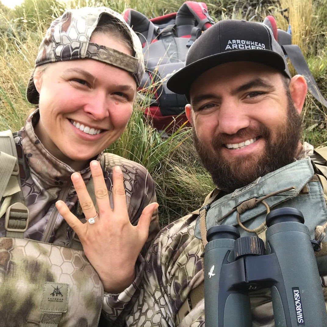 ronda rousey travis browne engagement ring