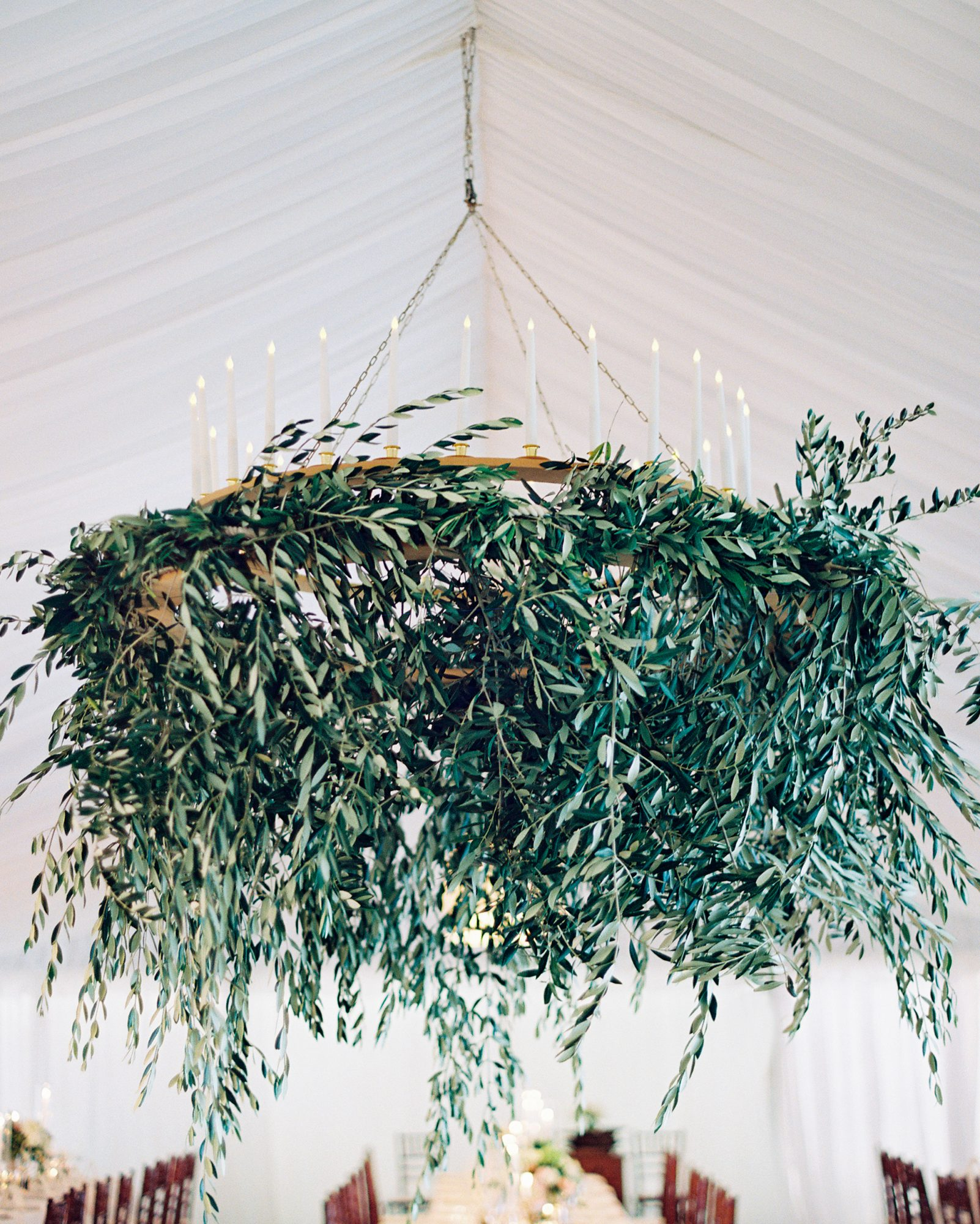 jemma-michael-wedding-chandelier-002659011-s112110-0815.jpg