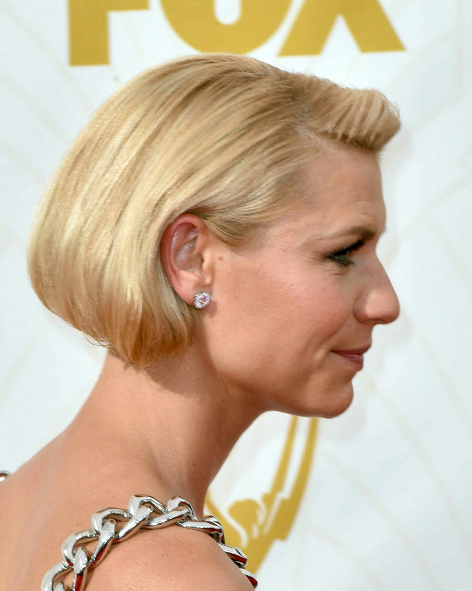 celebrity-wedding-hair-claire-danes-emmys-gettyimages-489446650-0915.jpg