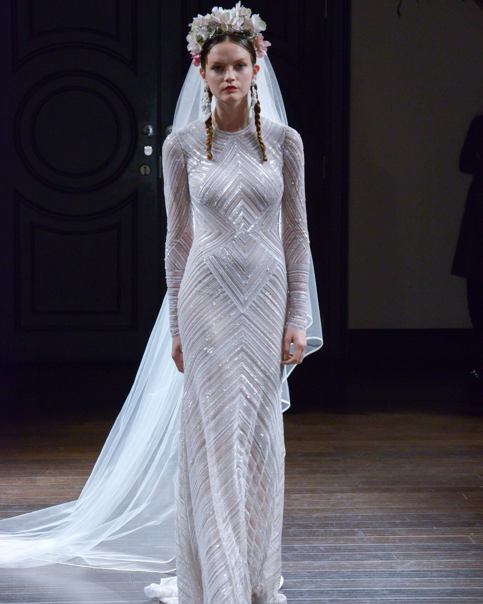 naeem-khan-fall2016-d112626-005.jpg