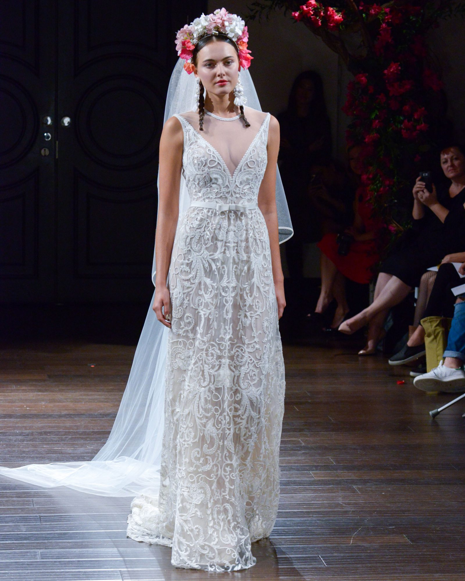 naeem-khan-fall2016-d112626-013.jpg