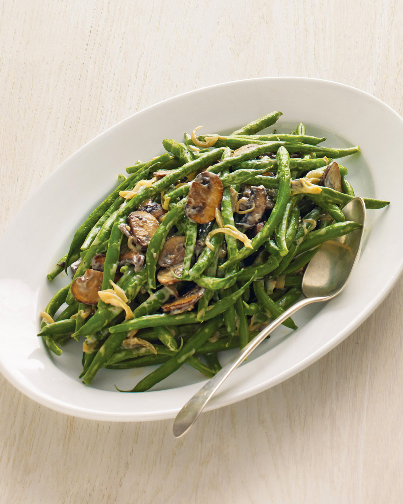 On the Side: Green Beans with Creamy Mushrooms and Shallots