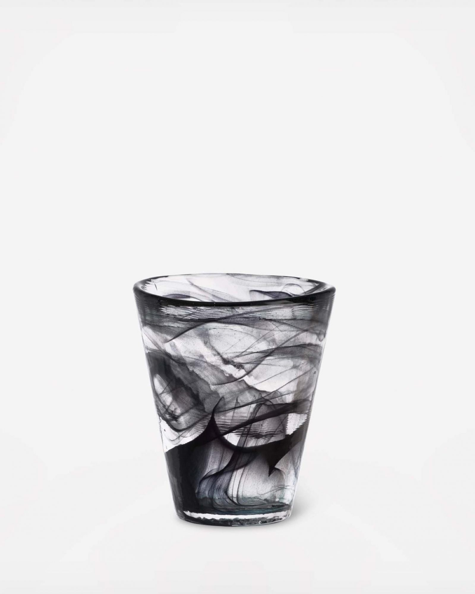 zola-halloween-party-decor-kosta-boda-tumbler-1015