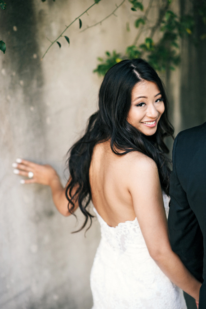 bride with strapless dress and wavy long hair