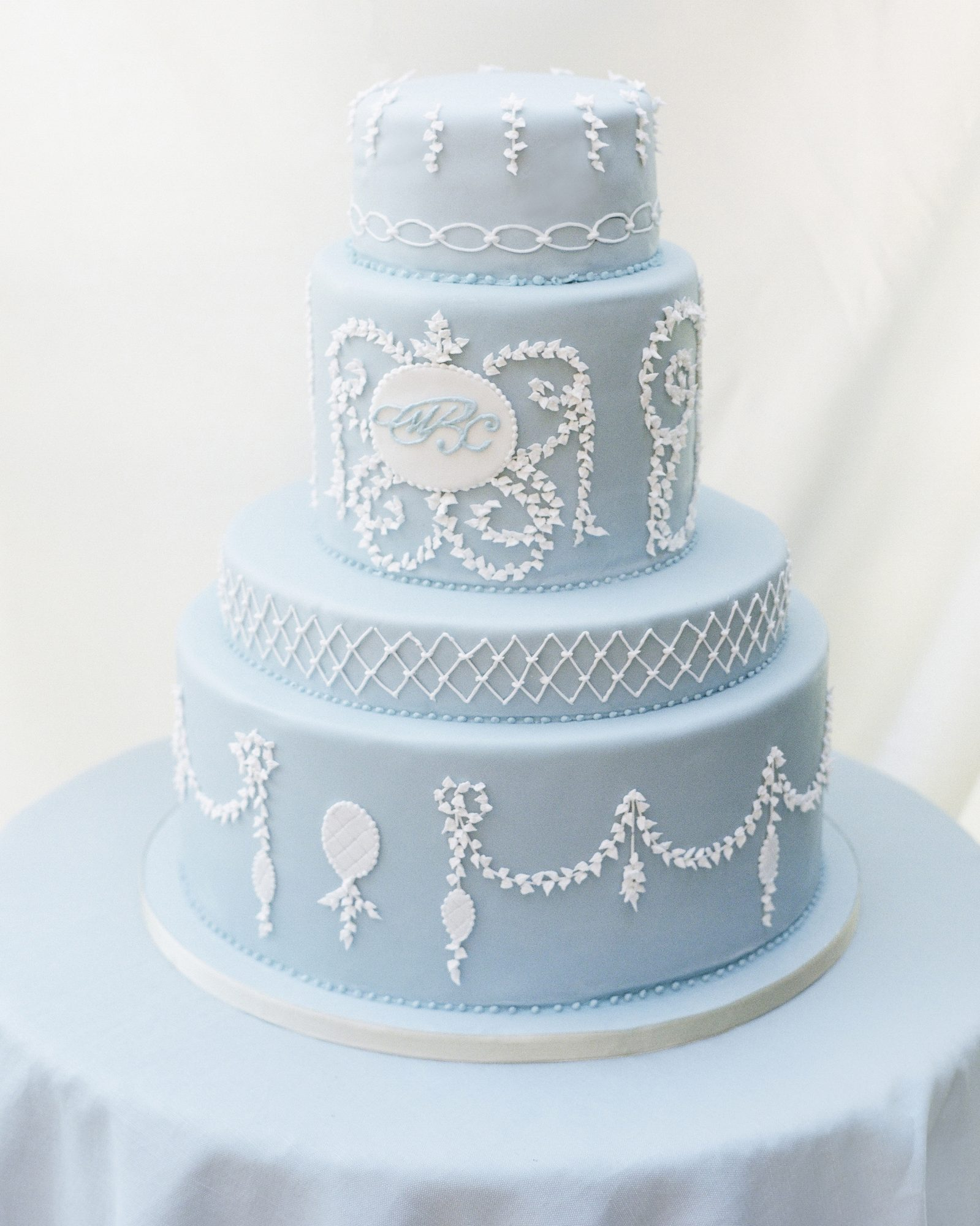 michelle-christopher-positano-reception-cake-details-0953-s111681-0215.jpg