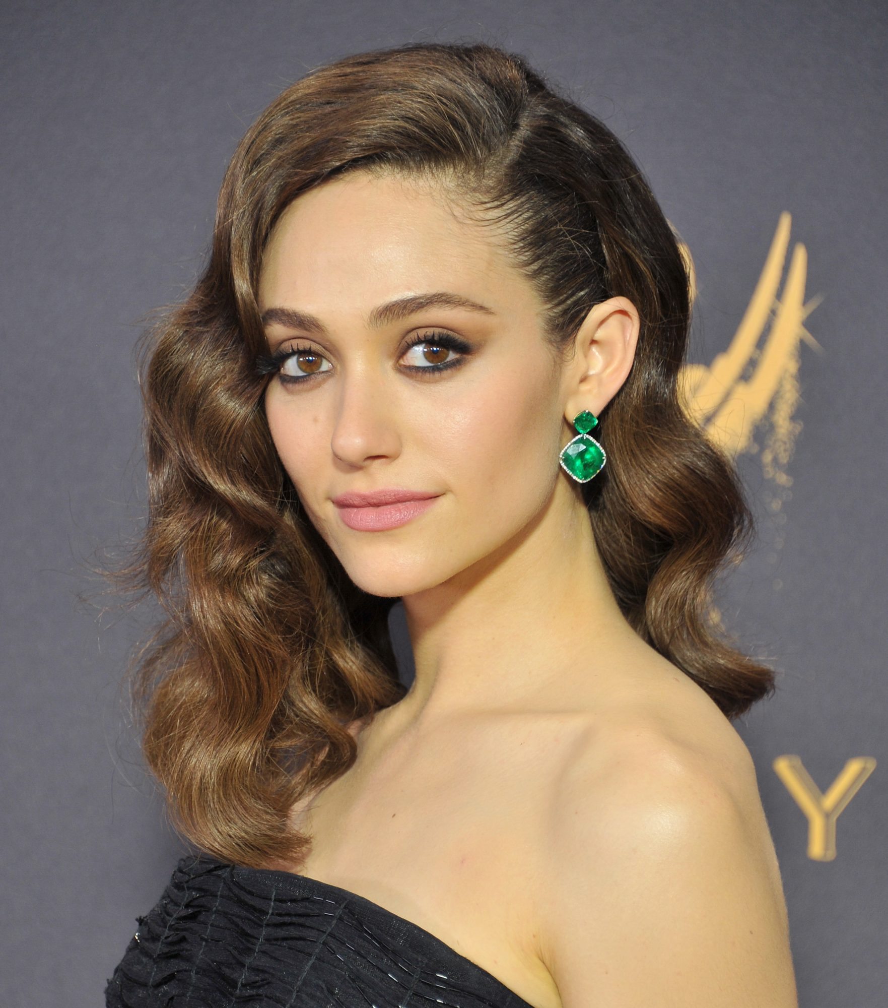 Emmy Rossum's Deep Side Part