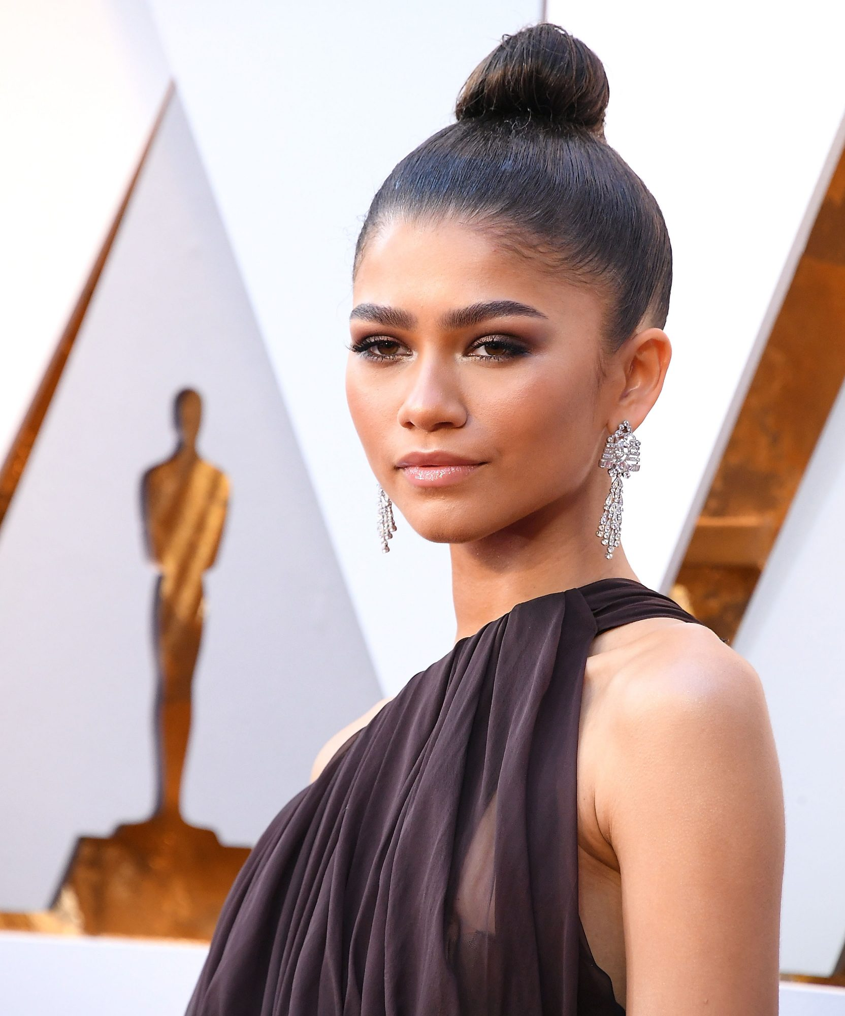 Zendaya's Smooth Topknot
