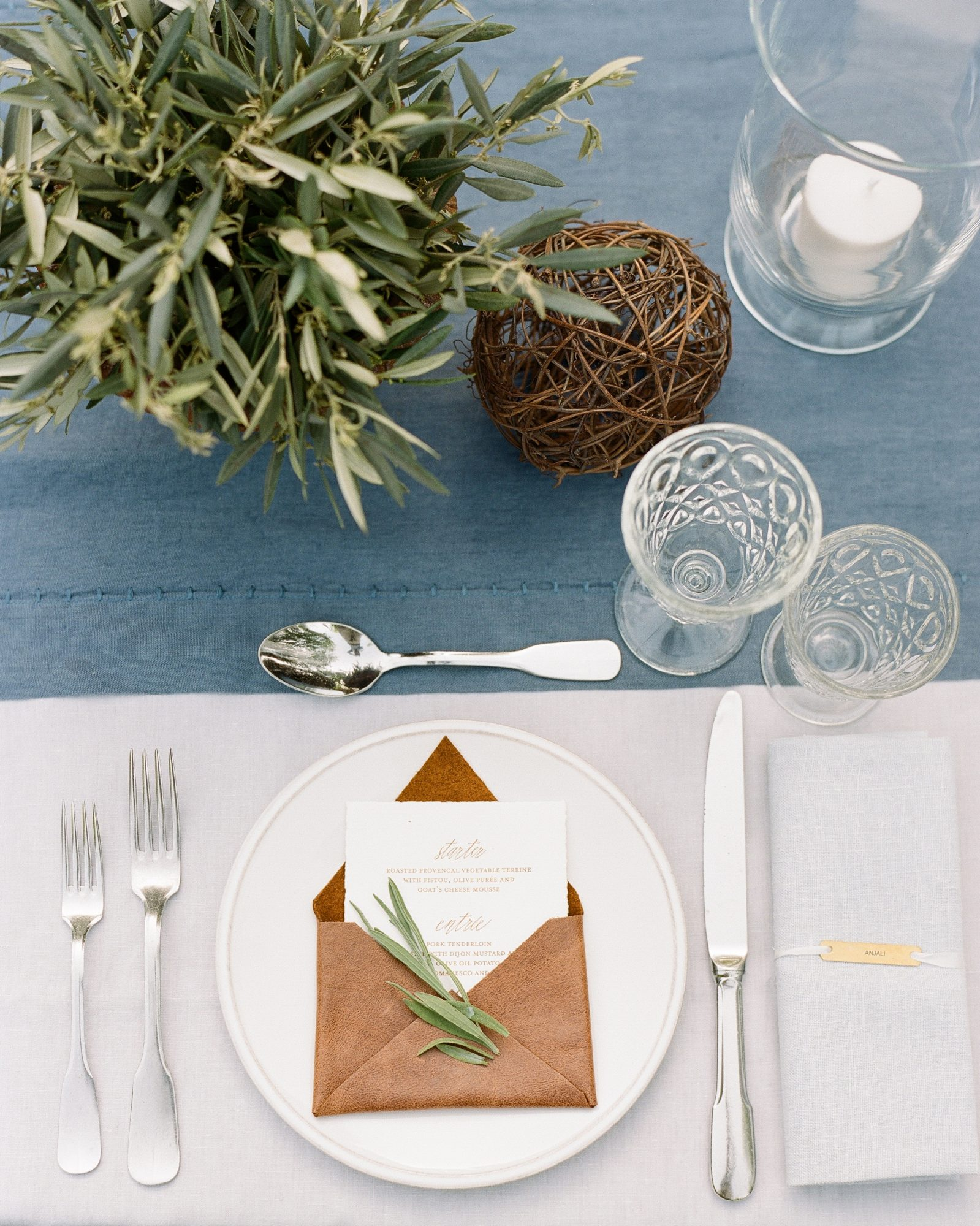julie-chris-rehearsal-placesetting-0145-s12649-0216.jpg