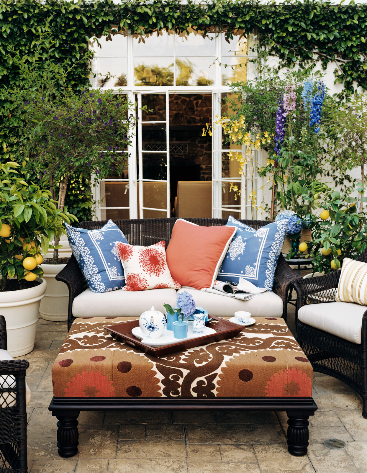 patterned outdoor patio furniture